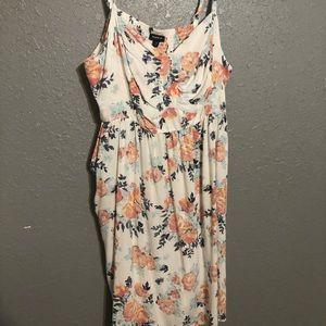 Torrid Size 3 Off-White Floral Knee-Length Dress
